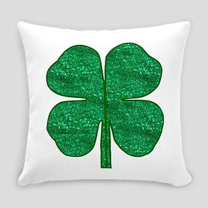 glitter shamrock Everyday Pillow