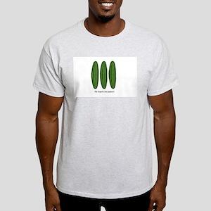 Me Importa Tres Pepinos Light T-Shirt