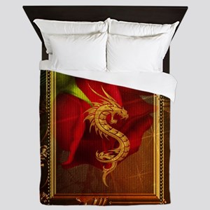 Wonderful chinese dragon, gold colors Queen Duvet