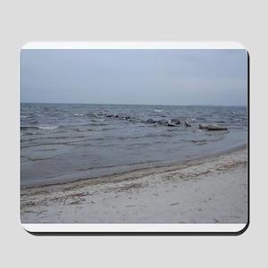 the sea invites you to dream Mousepad