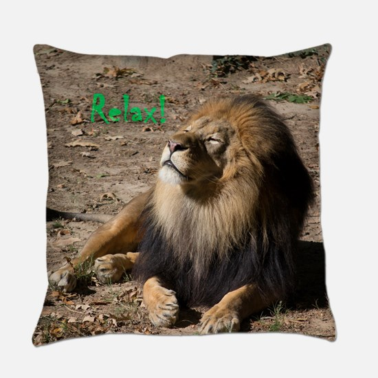Resting lion Everyday Pillow