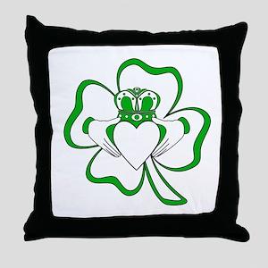 Claddagh-01 Throw Pillow
