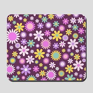 Pretty Retro Floral Pattern Mousepad