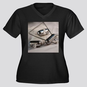 Crab Lines Women's Plus Size V-Neck Dark T-Shirt