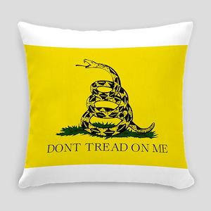Gadsden Flag - Don't tread on me Everyday Pillow