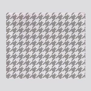 Grey, Fog: Houndstooth Checkered Pat Throw Blanket