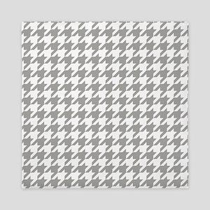Grey, Fog: Houndstooth Checkered Patte Queen Duvet
