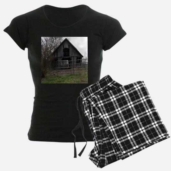 Old Weathered Farm Barn Pajamas