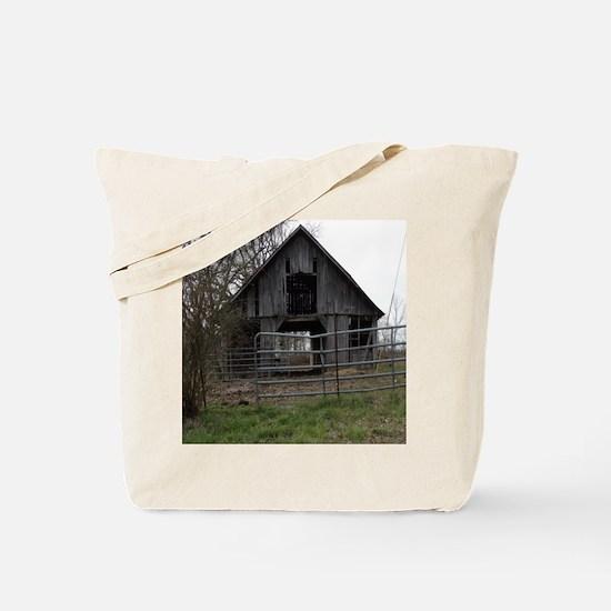 Old Weathered Farm Barn Tote Bag