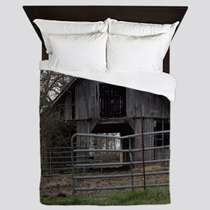 Old Weathered Farm Barn Queen Duvet