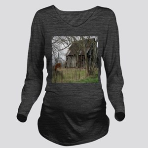 antique barn And Cows Long Sleeve Maternity T-Shir