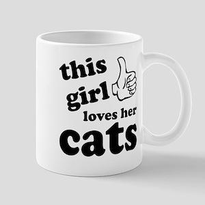 This girl loves cats Mug