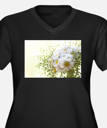 Bouquet of daisies in LOVE Plus Size T-Shirt