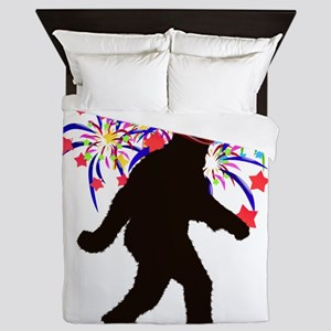 Squatchin for Indepandence Day Queen Duvet