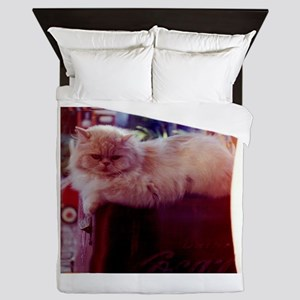 Rafferty persian cat relaxing Queen Duvet