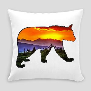 BEAR RISING Everyday Pillow