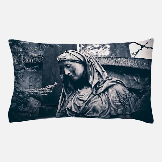 STATUE Pillow Case