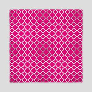Hot pink Quatrefoil pattern Queen Duvet