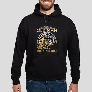 Never Underestimate An Ald Man With Hoodie (dark)