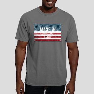 Made in Long Island, Kansas T-Shirt