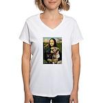 Mona / Labrador Women's V-Neck T-Shirt