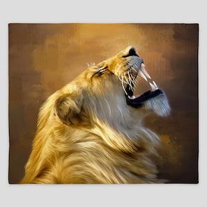 Roaring lion portrait King Duvet