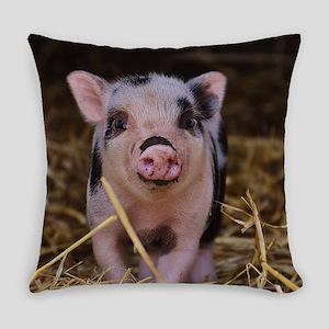 Sweet Cute Pig Everyday Pillow