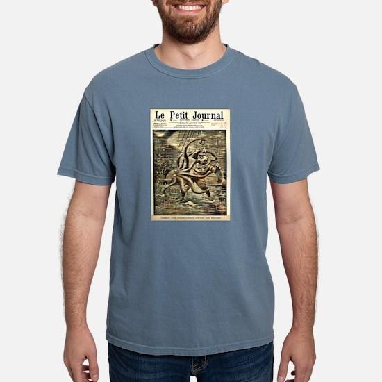DIVER VS OCTUPUS_edited-1.psd T-Shirt