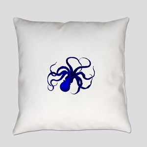 Vintage blue octopus Everyday Pillow