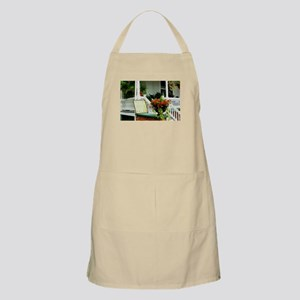 Porch Relaxing Apron