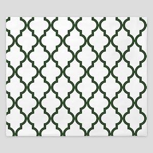 Green, Pine: Quatrefoil Moroccan Patter King Duvet
