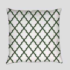 Green, Pine: Quatrefoil Moroccan P Everyday Pillow