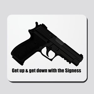 P226 Navy Mk25 - The Signess Mousepad