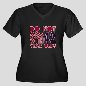 Do Not Mess Women's Plus Size V-Neck Dark T-Shirt