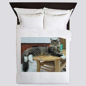 maine coon laying 2 Queen Duvet
