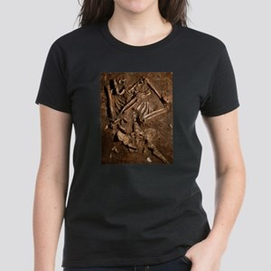 Neanderthal skeleton, Kebara Cave, Israel T-Shirt