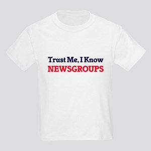 Trust Me, I know Newsgroups T-Shirt