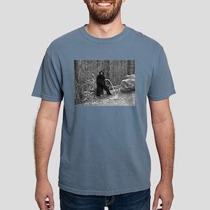PISSING BIGFOO T-Shirt