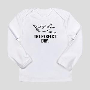 flying airplane Long Sleeve T-Shirt