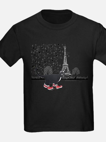 Tuxedo cat in Paris T-Shirt
