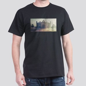 Beautiful Taj Mahal in a foggy day T-Shirt