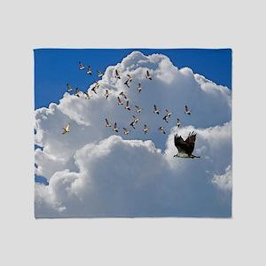 Birds in flight Throw Blanket