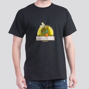 Bee Carrying Honey Pot Skep Circle Drawing T-Shirt