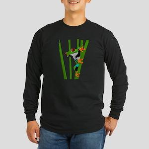 Cute frog on grass Long Sleeve T-Shirt