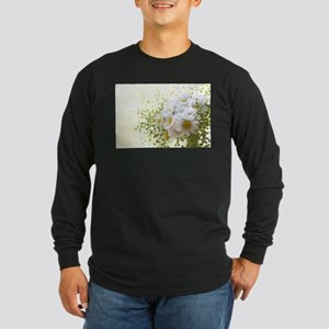 Bouquet of daisies in LOVE Long Sleeve T-Shirt