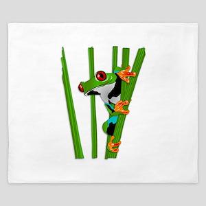 Cute frog on grass King Duvet