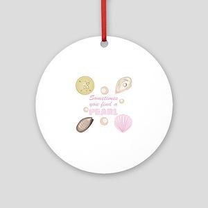 A Pearl Round Ornament