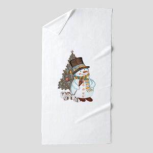 Hand drawn snowman Christmas backgroun Beach Towel