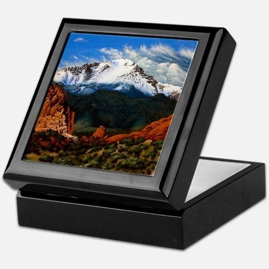 Unique Peak Keepsake Box