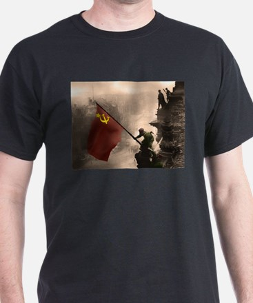 Russian Flag over the Reichstag in Color T-Shirt